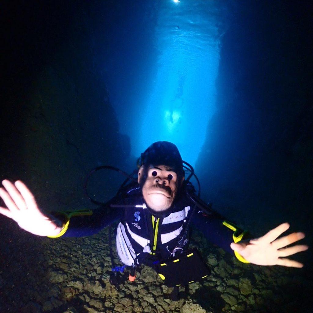 青の洞窟ダイビングごりら